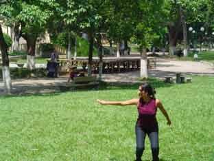 Clase de Erick en el Parque Cuscatlán