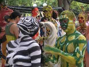 En el parque Cuscatlán/Día de la Danza